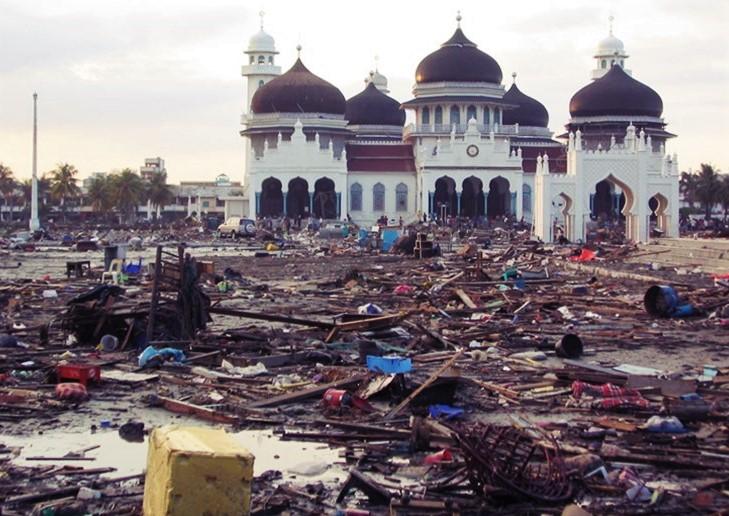 Beramal Bagi Dampak Korban Bencana Tsunami Di Sumatra Aceh